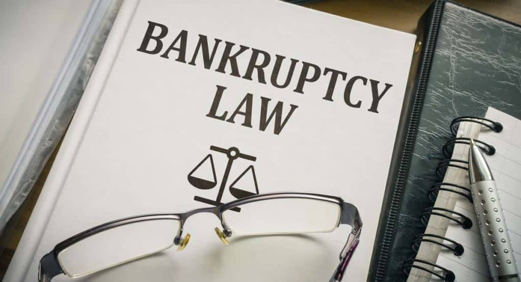 5 Dangerous Pitfalls of Filing Bankruptcy Without a Lawyer