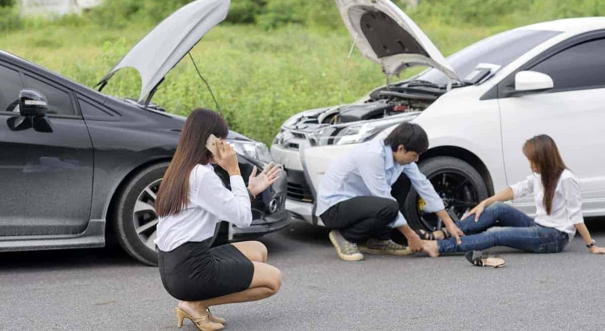 Sympathy and Knowledge: 5 Ways that a Car Accident Lawyer Can Help You
