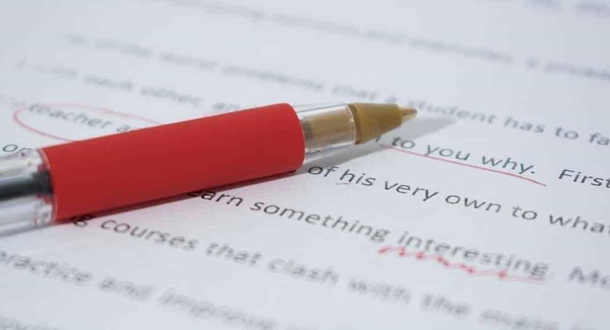 4 Benefits of Hiring Thesis Editor