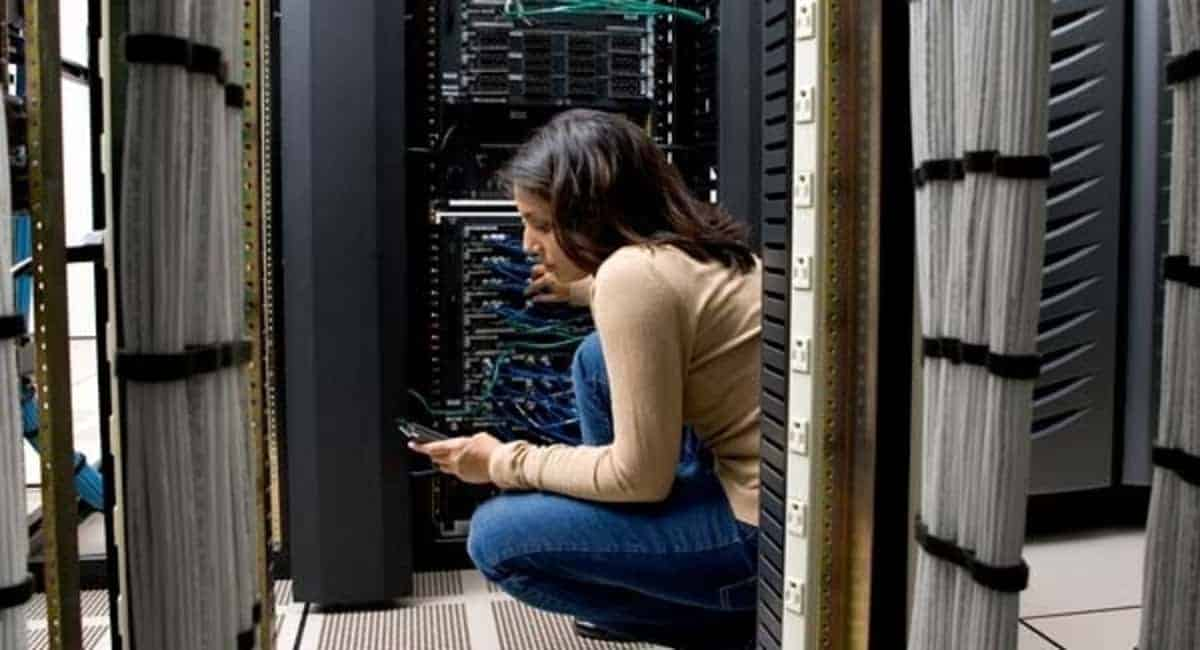 8 Reasons to Become Cisco Certified via CCNA 200-125 Routing and Switching Credential