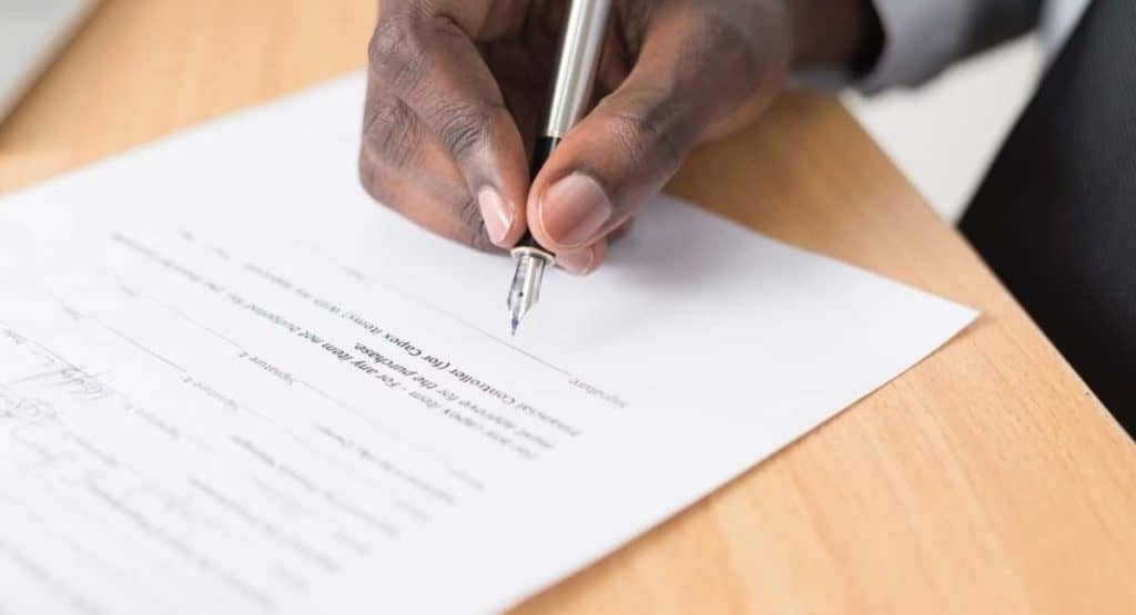 Here's 5 Situations Contractors Should Get An Contract Lawyer For