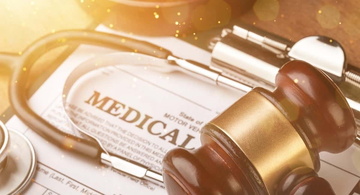 Top Signs You Need to Hire a Medical Malpractice Lawyer