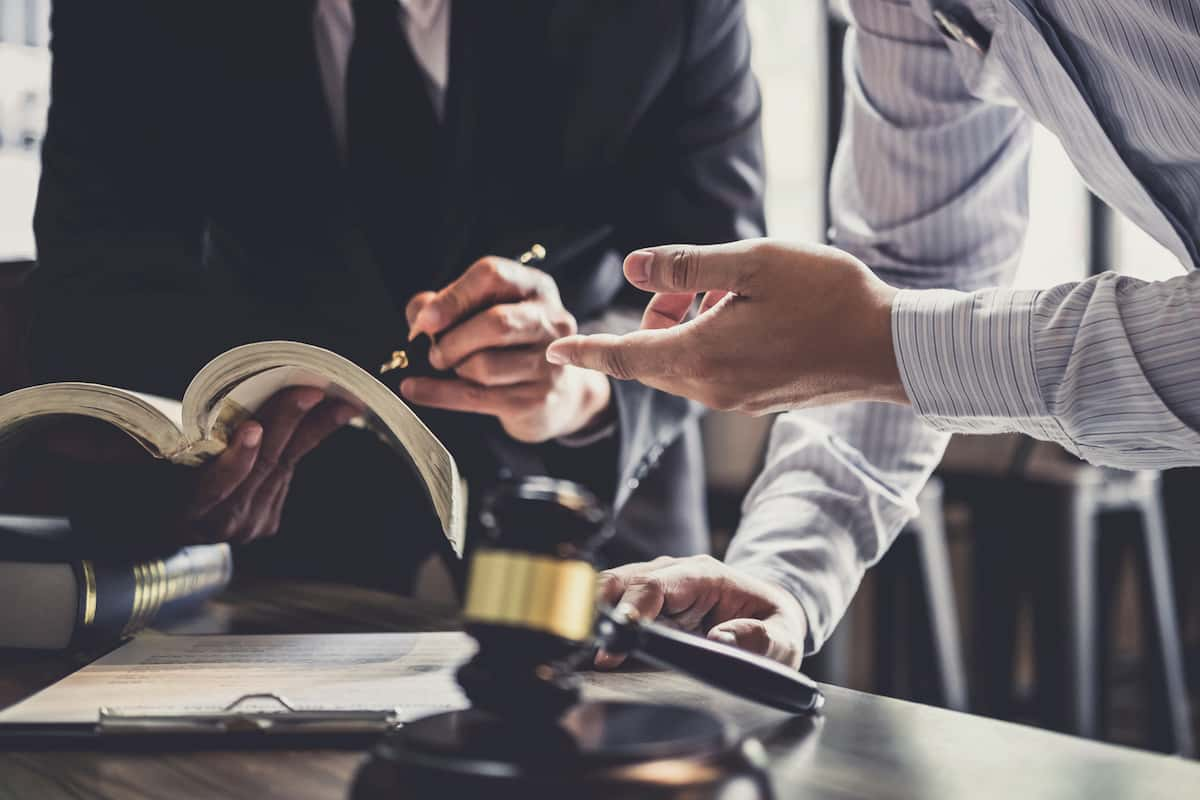 Things To Consider When Choosing The Best Defense Attorney