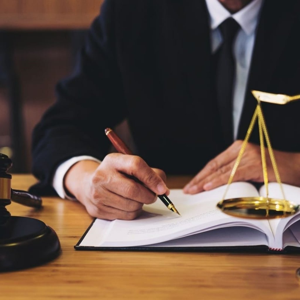 Real Estate Business and Bankruptcy Lawyer