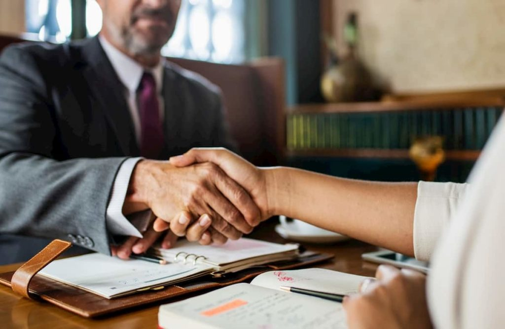 how to hire a lawyer with no money