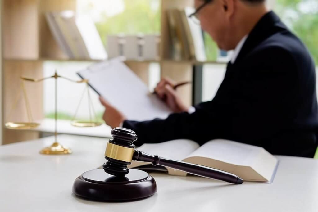 How Do Lawyers Get Paid