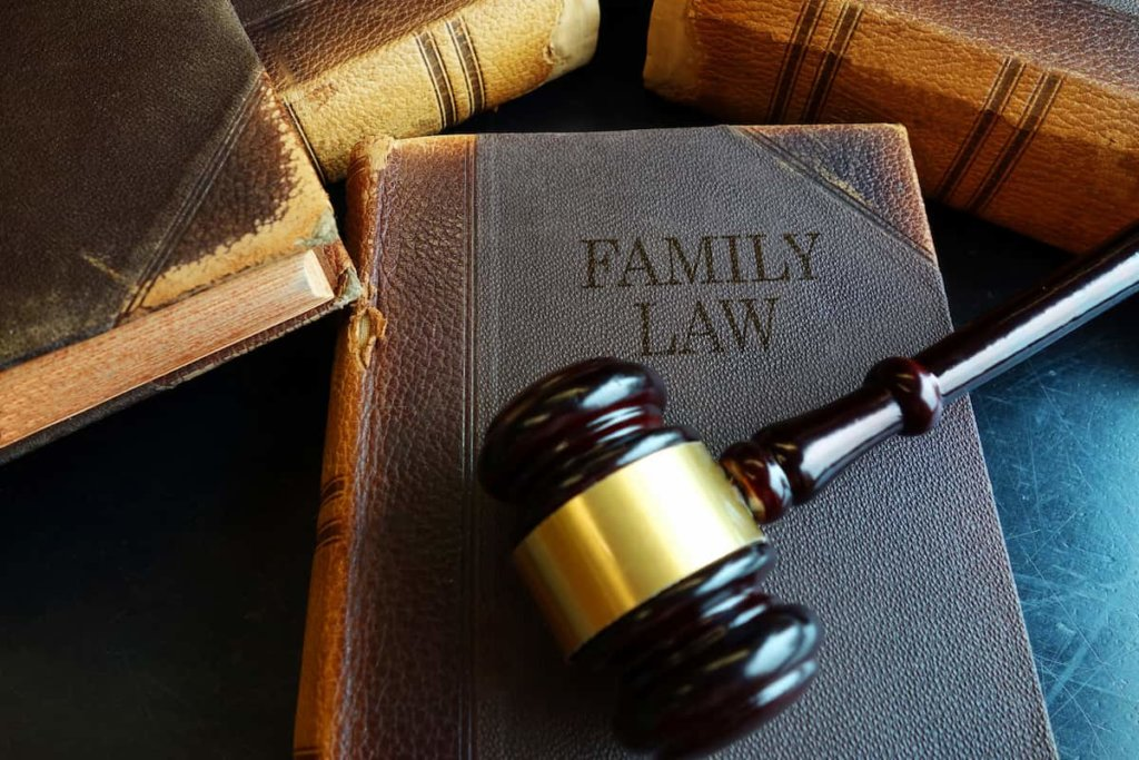 finding a divorce lawyer