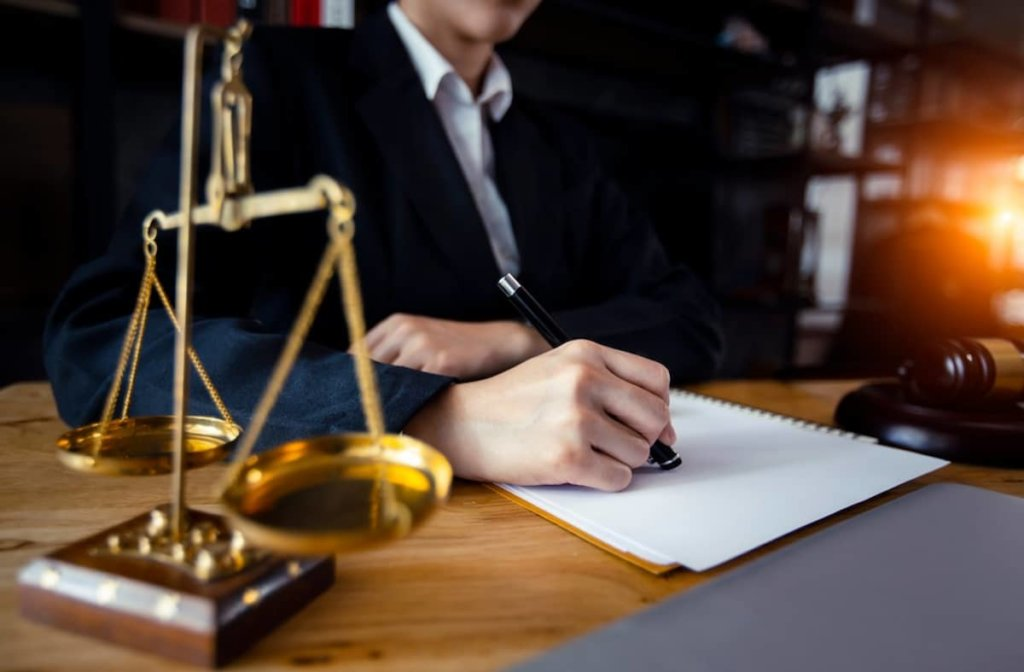 Who Is A Personal Injury Lawyer