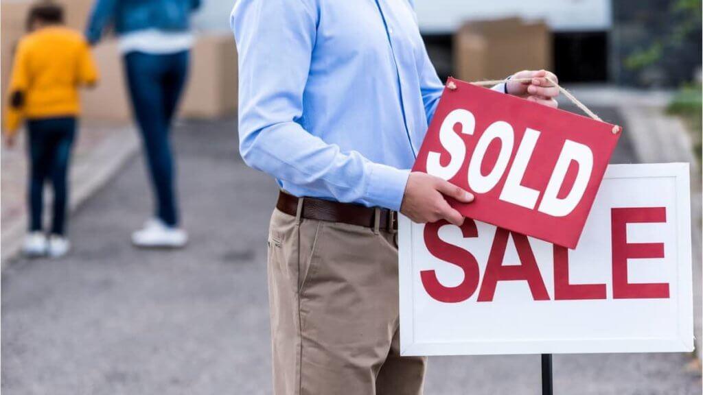 Advantages Of A Short Sale