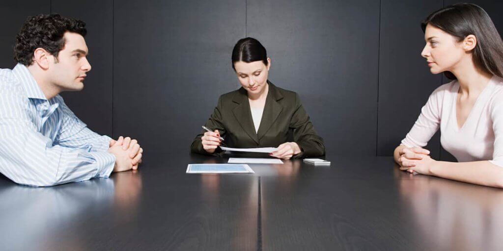Consult With A Divorce Lawyer From Your Area