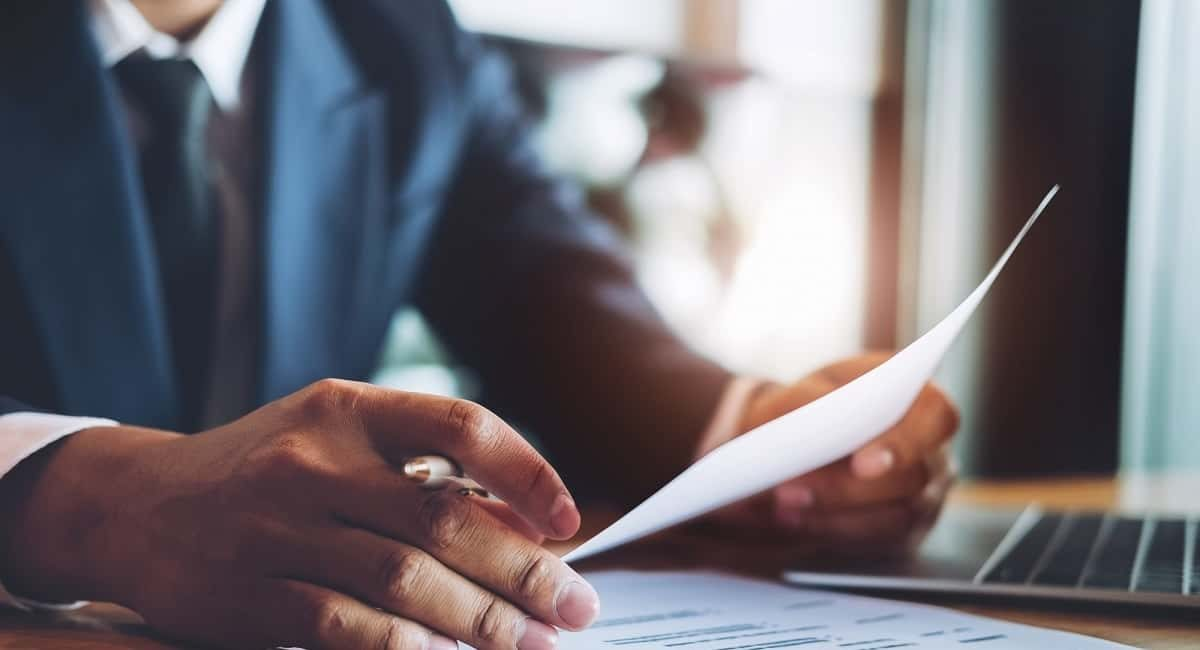 7 Eye Grabbing Tips for Writing a Great Attorney Resume