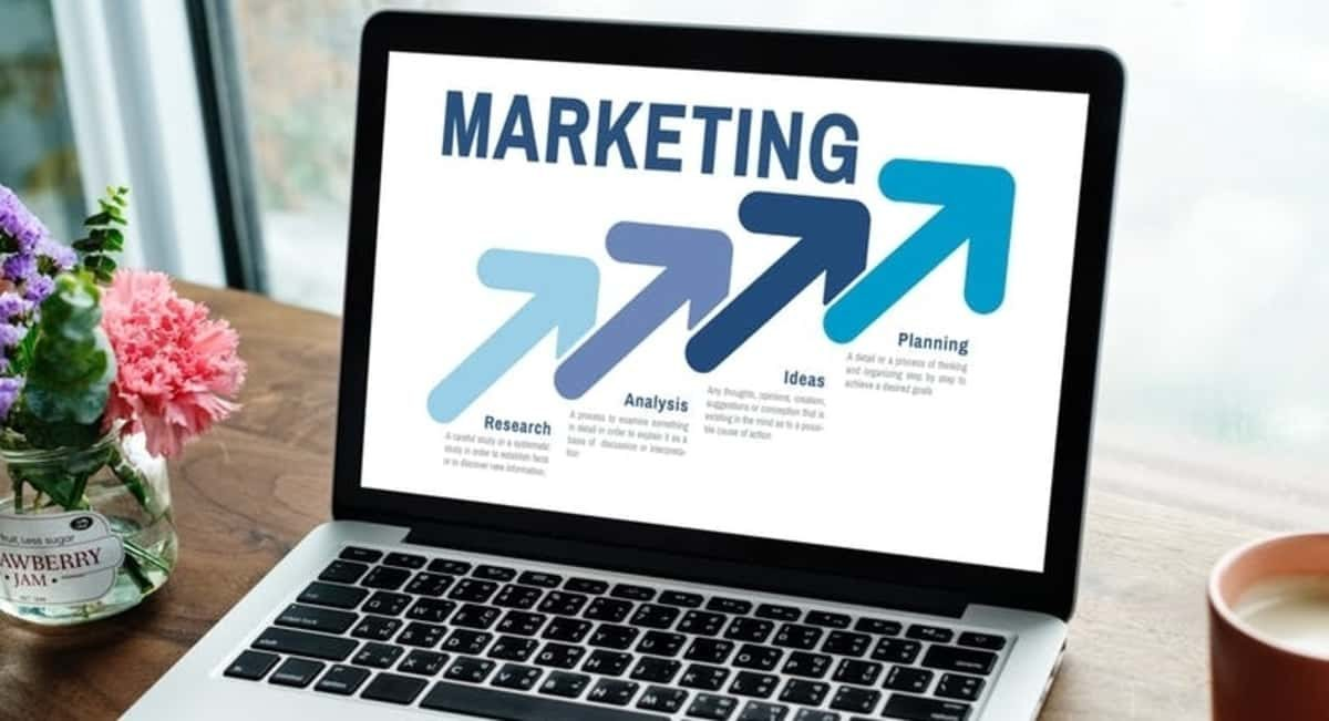 7 Simple and Effective Digital Marketing Tips for Lawyers