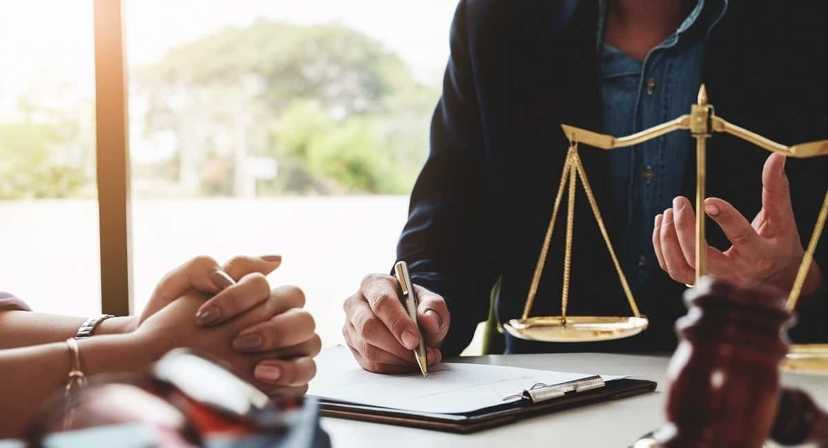 BECOME A LAWYER. WHAT IS REQUIRED?