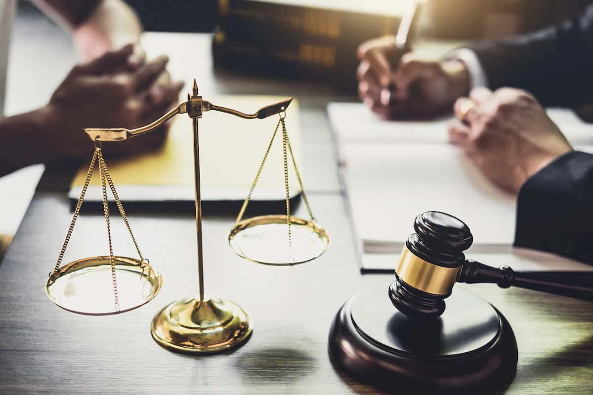 Choosing The Best Defense Attorney
