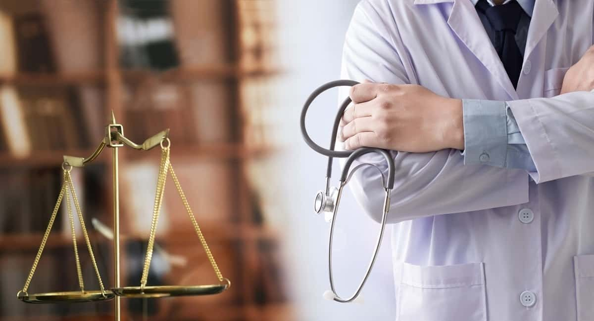Don't Go at It Alone: Benefits of Hiring a Medical Malpractice Lawyer