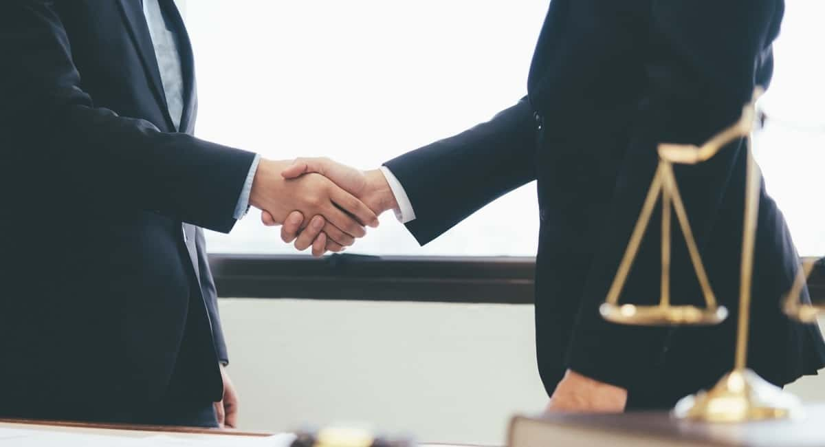 Getting Legal: How to Know When You Need to Hire a Business Lawyer