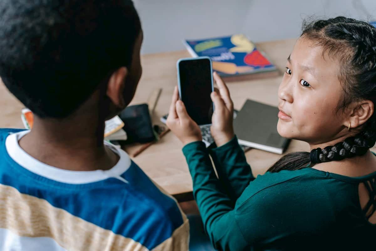 Keep Your Children Safe from Criminals Online