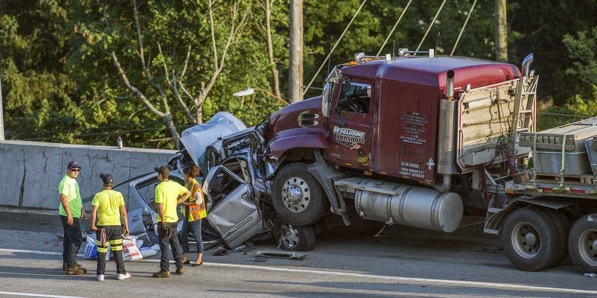 Semi-Truck Accidents Explained - Here Are 5 Things to Keep in Mind