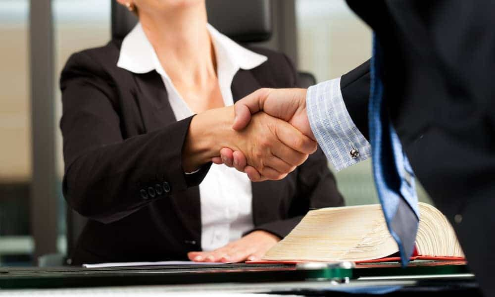 What to Expect When Meeting with a Lawyer