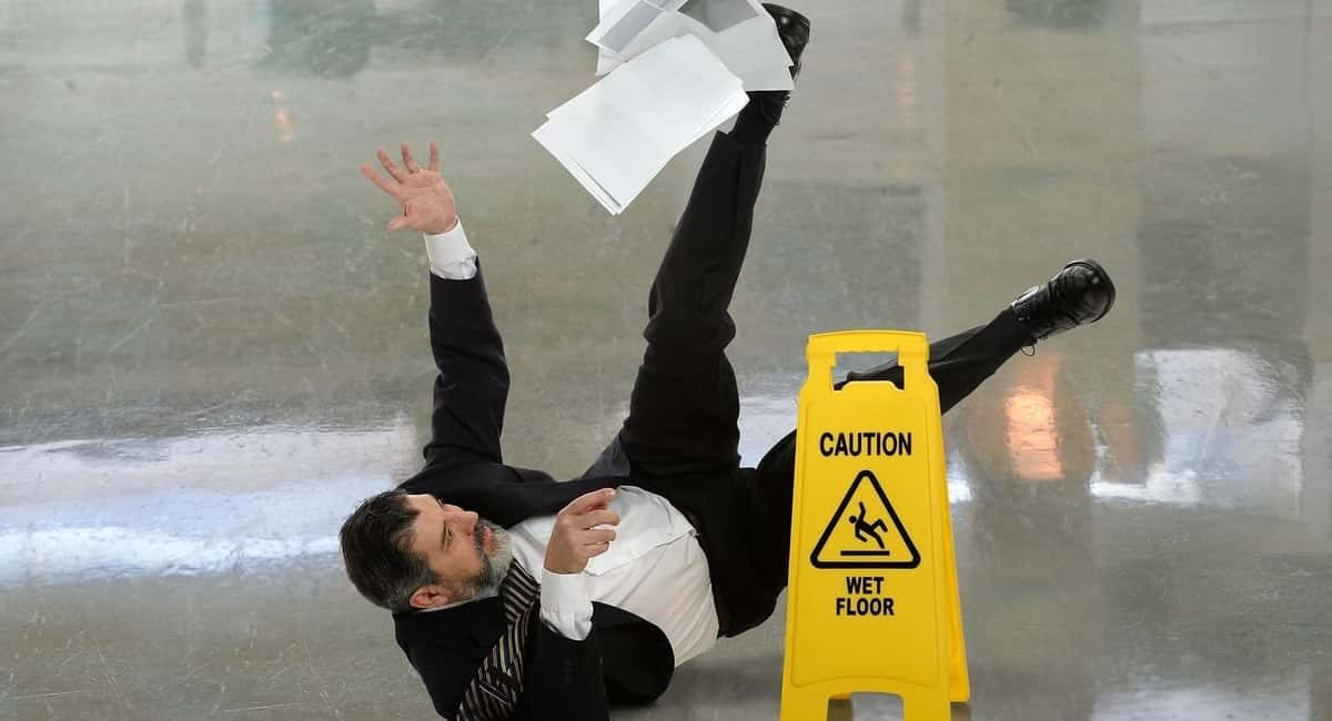 Your Step-by-Step Guide to Follow If Someone Falls Over in Your Business Premises