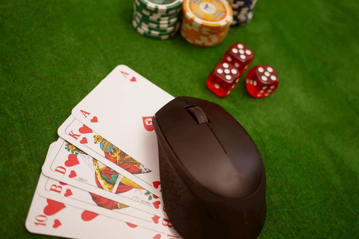 legal battles behind online gambling